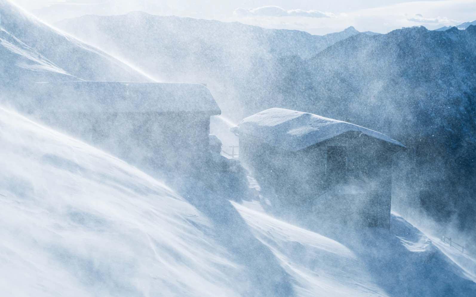 nieve casas viento