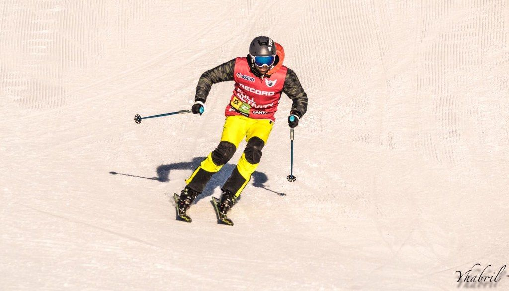 esquiando astun