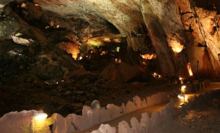 Cuevas de Valpoquero