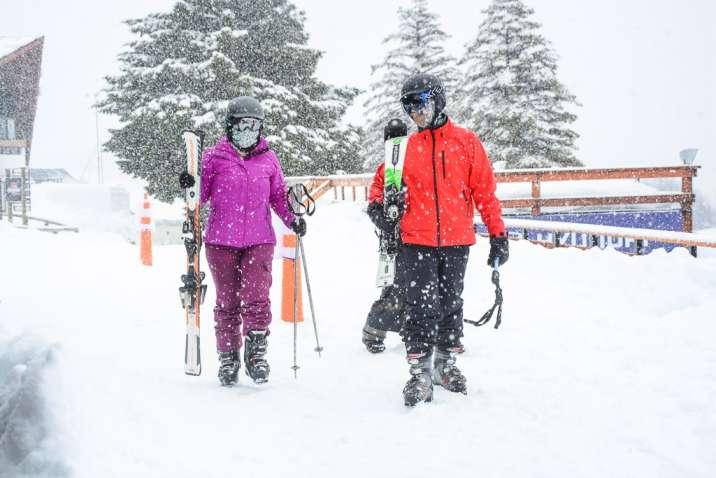 Esquiadores en la estación de esquí Chapelco