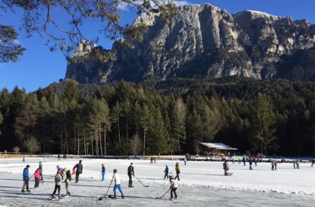 Patinaje sobre hielo Alpe di Siusi
