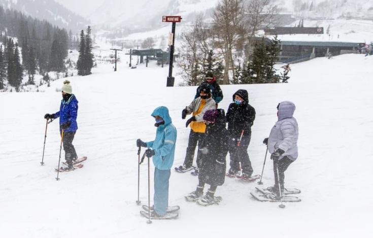 Raquetas de nieve estación de esquí Alta