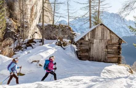 Raquetas de nieve estación de esquí Marmolada