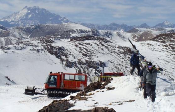 Snowcat estación de esquí El Arpa