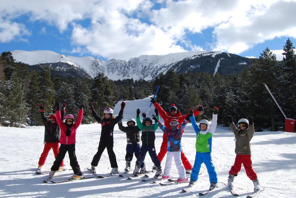 L'Espace Cambre d'Aze est un domaine de ski alpin convivial situé sur 2 villages : Eyne et Saint Pierre dels Forcats