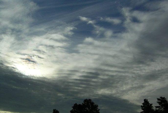 nubes blanquecinas