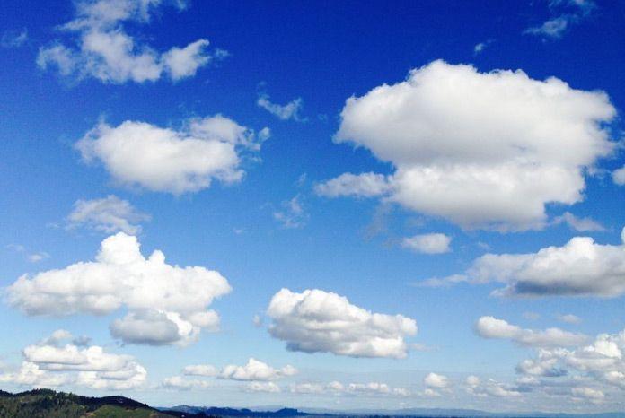 nubes cielo azul