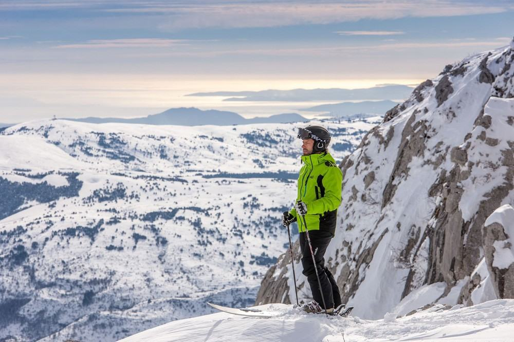 Un esquiador en Gréolières