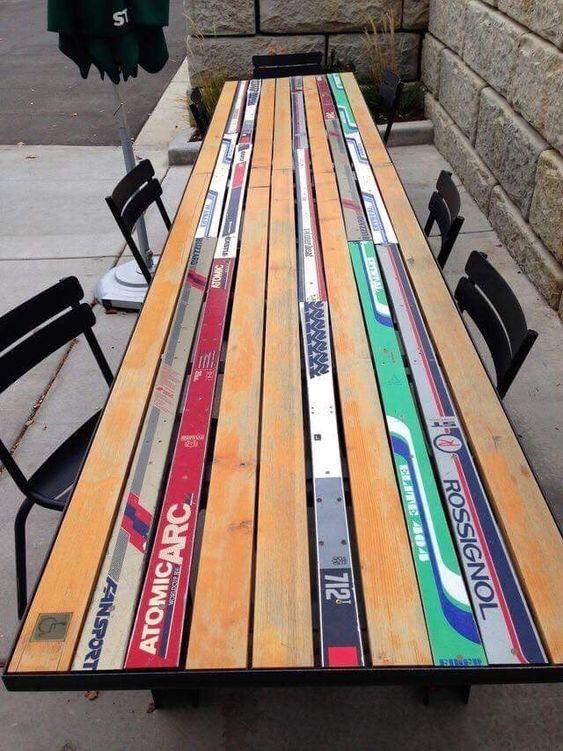 mesa con esquís