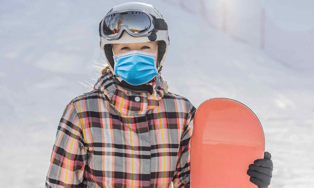 Mask wearing on the open ski resorts in Canada
