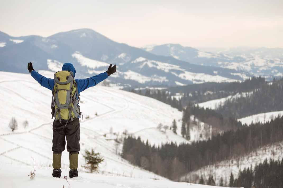 A large volume ski backpack to safely enjoy to great outdoors off-piste