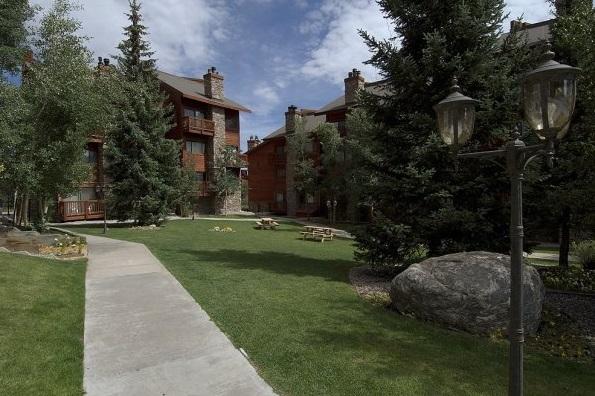 Hotel Pine Ridge Condominiums