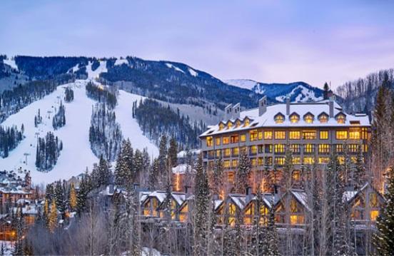 Hotel Pines Lodge