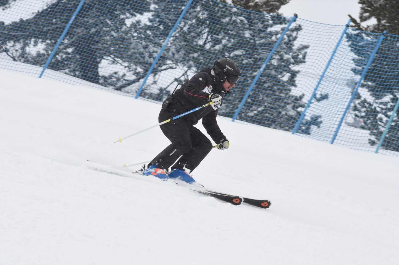 Xavi Ubeira skiing in Baqueira-Beret