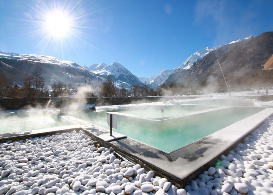 Japanese bath at Balnéa with panoramic views