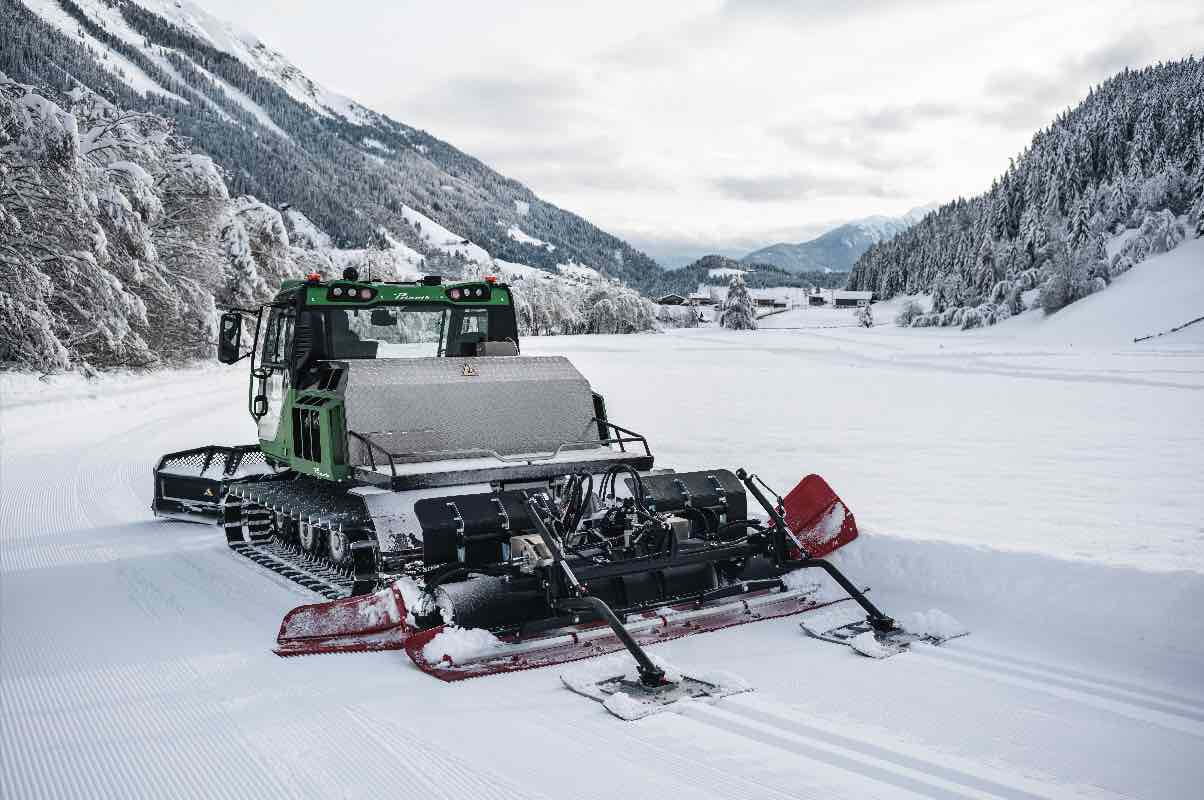 PRINOTH's 100% electric snow groomer eMotion